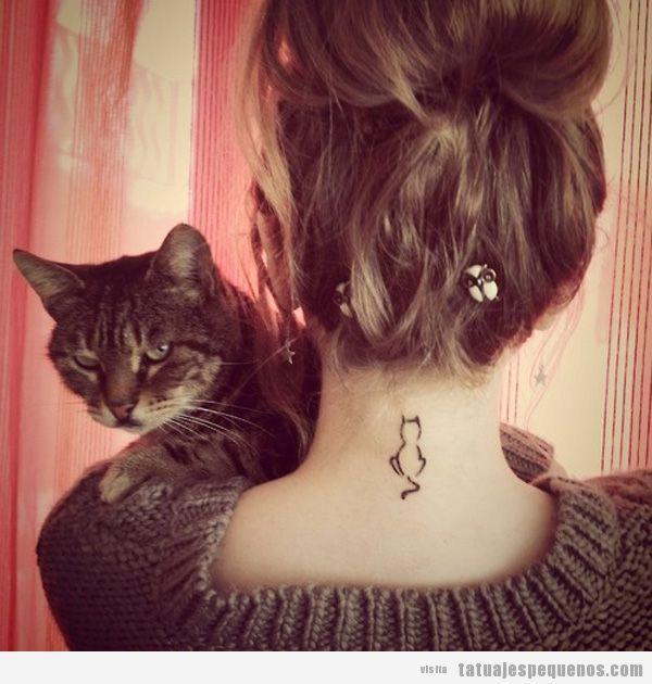 Tatuaje silueta gato en la nuca                                                                                                                                                     Más