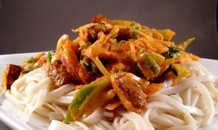 Ook lekker! Thaise noedels met rode curry saus