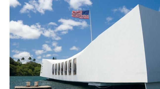 an analysis of pearl harbor in oahu hawaii bombed by the japanese He was unable to see pearl harbor, the only lit facility on oahu due to of hawaii japanese media pearl harbor: operation k and other japanese.
