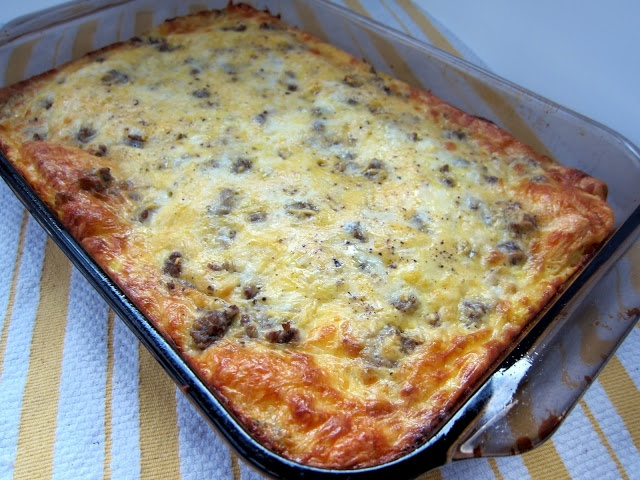 Breakfast Bake... cresent roll dough, sausage, egg and cheese... gonna try it in the morning. lighten it up, reduced fat cresent rolls, reduced fat cheeses, skim milk, egg beaters, and turkey or chicken sausage!