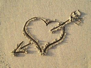 """«Tú piensas que si él no te ama entonces tú no vales nada. Piensas que si él ya no te quiere él tiene razón, crees que su opinión sobre ti debe ser correcta. Piensas que si él te desecha es porque eres basura. Tú piensas que él te pertenece a ti porque tú sientes que le perteneces a él. No. """"Pertenecer"""" es una mala palabra, especialmente cuando la usas con alguien que amas. El amor no debería ser así».  (Toni Morrison)"""