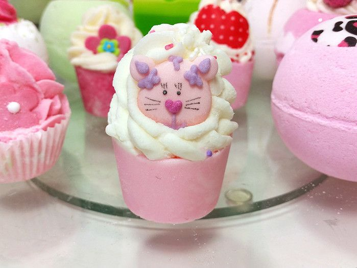 Moje telo - Bomb Cosmetics Top Cat - Click2Chic Blog