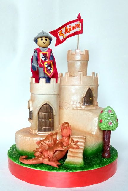 SORELLAS CAKES PAMPLONA  (Tartas personalizadas Pamplona): Tarta castillo Playmobil Aimar Pamplona, Navarra