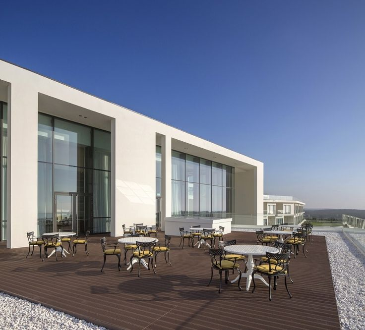 The Royal Obidos Golf & Spa Resort is a new Evolutee hotel opened in June 2014.  The resort is located only 45 minutes from Lisbon, set in 130 hectares of natural beauty. This is a great place for your golf break in the Lisbon area. #golf #golfingbreaks #golfholidays