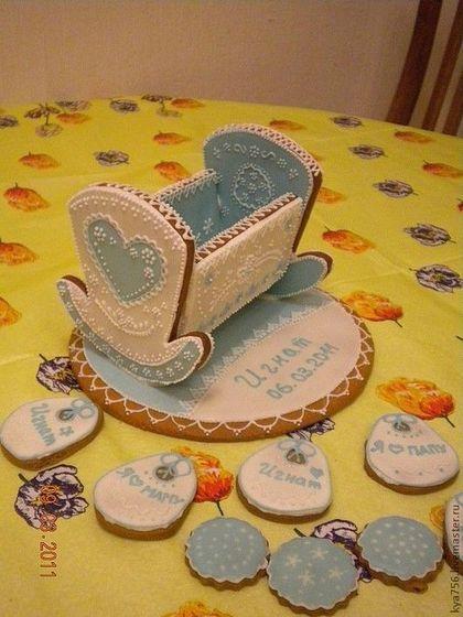 Купить или заказать Пряничная кроватка в интернет-магазине на Ярмарке Мастеров. Пряничная кроватка станет непревзойденным подарком к Рождению Малыша. По желанию заказчика кроватка станет заполнена мини-пряниками. НЕ противопоказаны кормящим мамам!