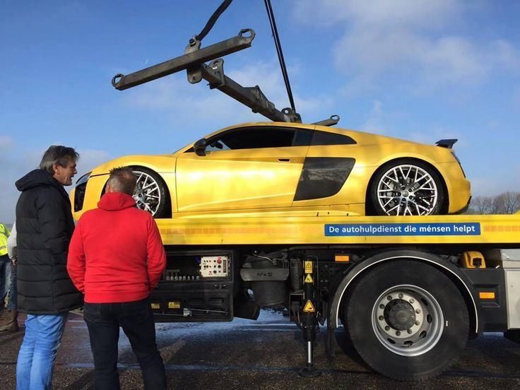 Cool Audi: Audi R8 V10 Does Some Diving An unfortunate incident happened last Sunday, when ...  Cars Check more at http://24car.top/2017/2017/07/23/audi-audi-r8-v10-does-some-diving-an-unfortunate-incident-happened-last-sunday-when-cars/