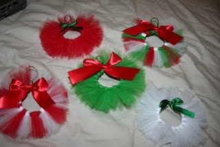 Tulle ornaments. Would be cute in pink and white on Charlotte's pink tree:)
