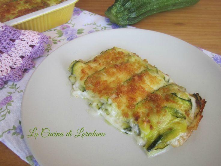 Una ricetta semplice e veloce: Parmigiana bianca di Zucchine, non serve cuocere le zucchine e niente besciamella, leggera e gustosa per tutti
