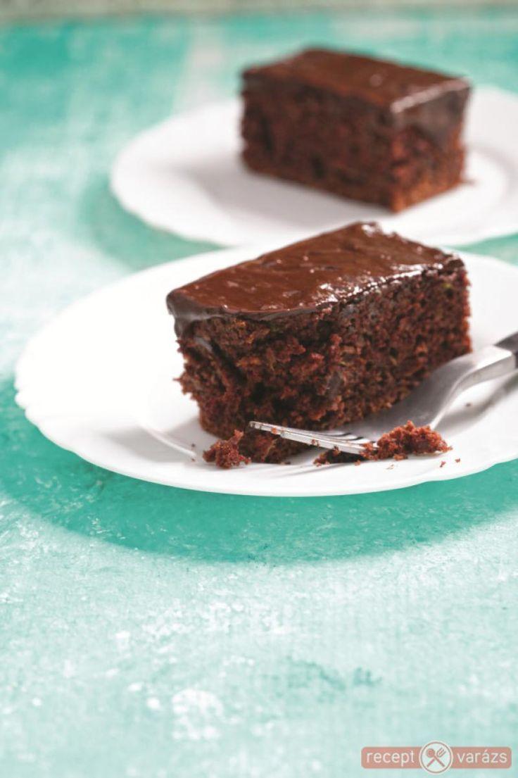 Cukkinis-csokis süti recept Készítsd el akár 2, vagy 12 főre, a Receptvarazs.hu ebben is segít!