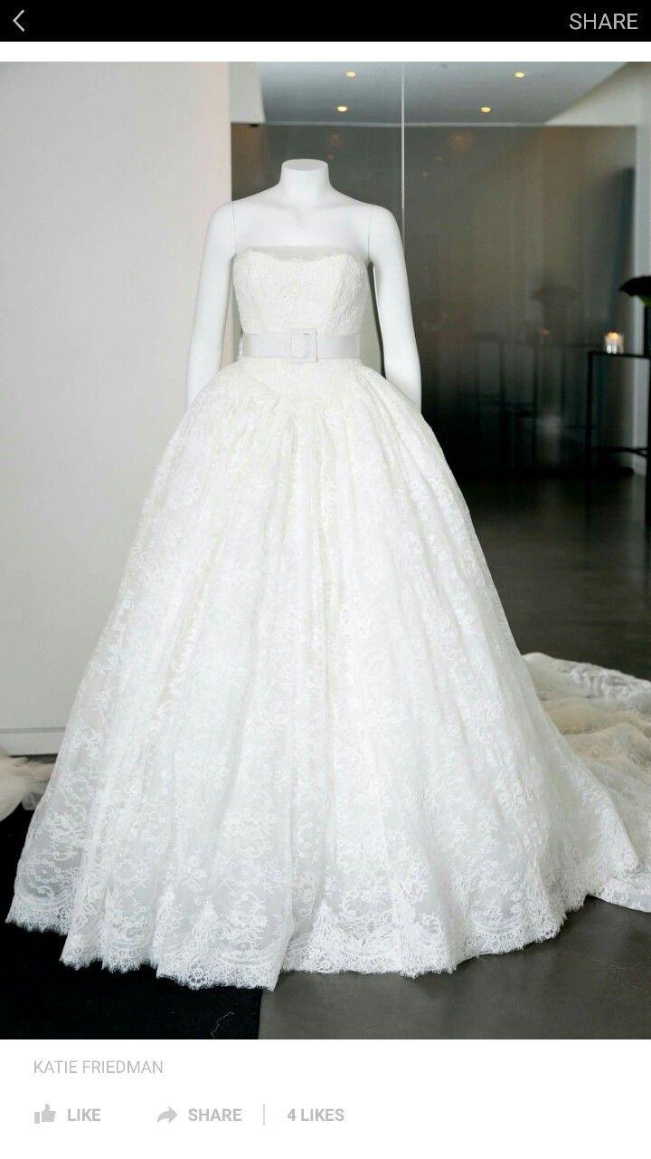 Vera Wang David bridal omg need lace belt sweetheart