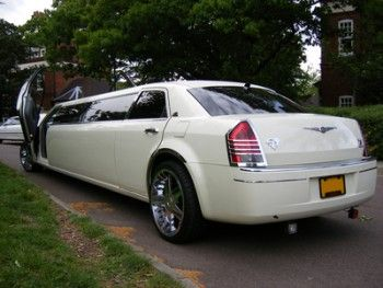 Looking for a quality limo service in Reston VA? ABC Limousine is the best choice for you. They offer all types of limo service for any kind of event, including prom limo, wedding limo, limo for birthday parties and DC Limo Service Reston VA.