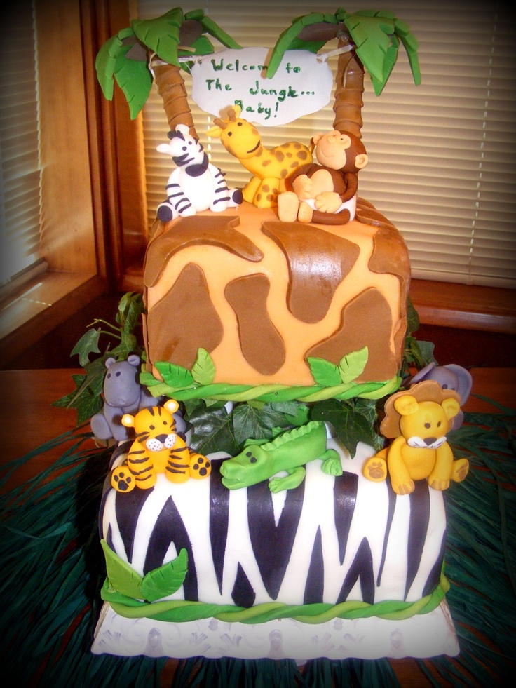 Jungle baby shower cake with fondont animals baby shower for Animal cake decoration