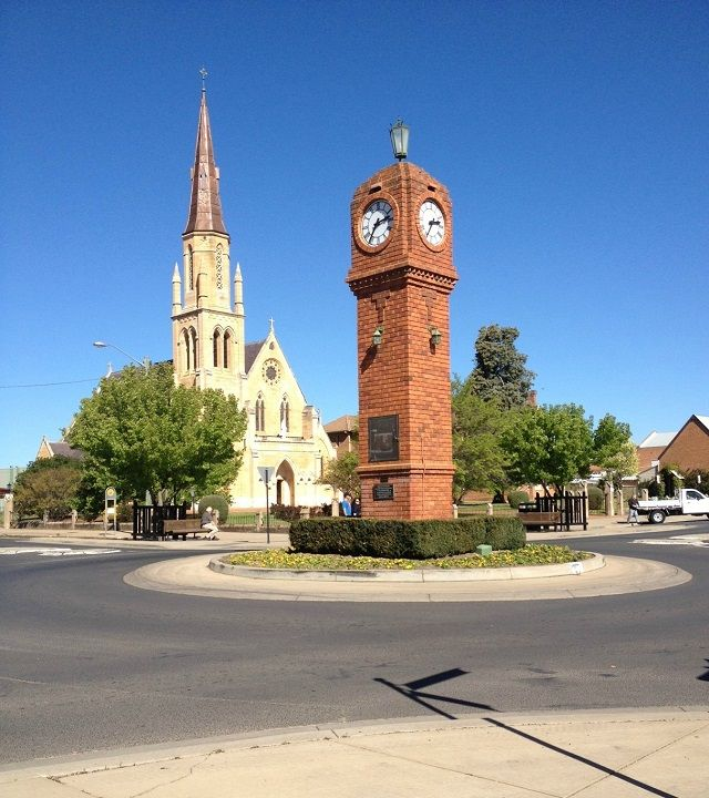 Back to Mudgee for the school reunion.