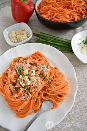 Espagueti rojo cremoso (fácil y listo en minutos) www.pizcadesabor.com