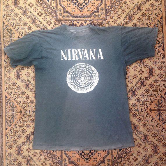 T-shirt Nirvana di FreaksceneVintageTs su Etsy