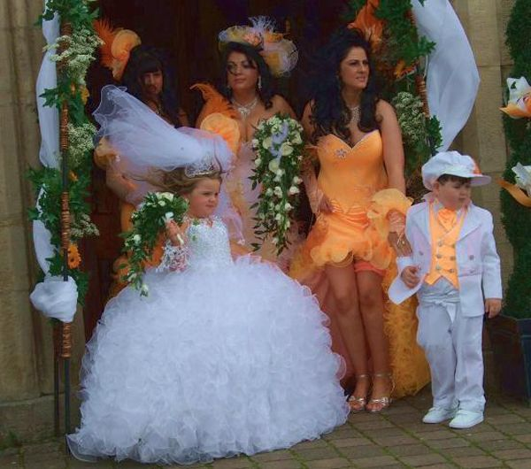 Best Funny Wedding Pictures Images On Pinterest Places To - Lady worst wedding guest history