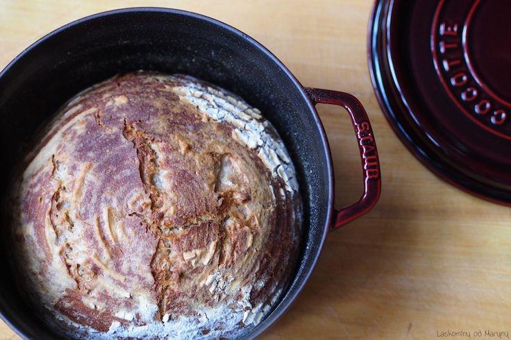 ořechový kváskový chléb
