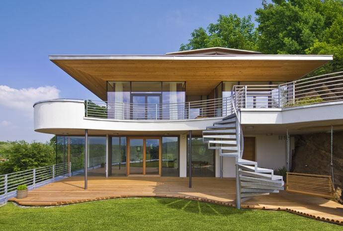 modernes baufritz haus lelijke vormen maar hout onder en boven is mooi voor bij ander huis. Black Bedroom Furniture Sets. Home Design Ideas