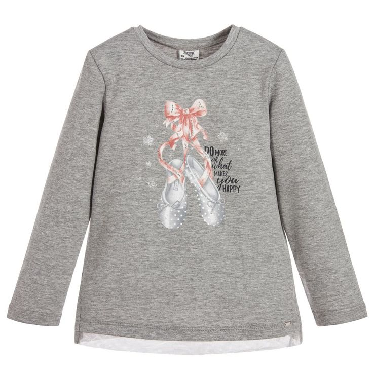 With its pretty and sparkly ballet shoes print, this grey marl long-sleeved t-shirt is a lovely choice for girls. Made in soft cotton jersey, it is super comfortable to wear and also easy to wash.