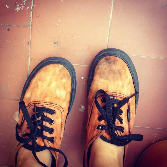 diy bleached vans sneakers diy world pinterest