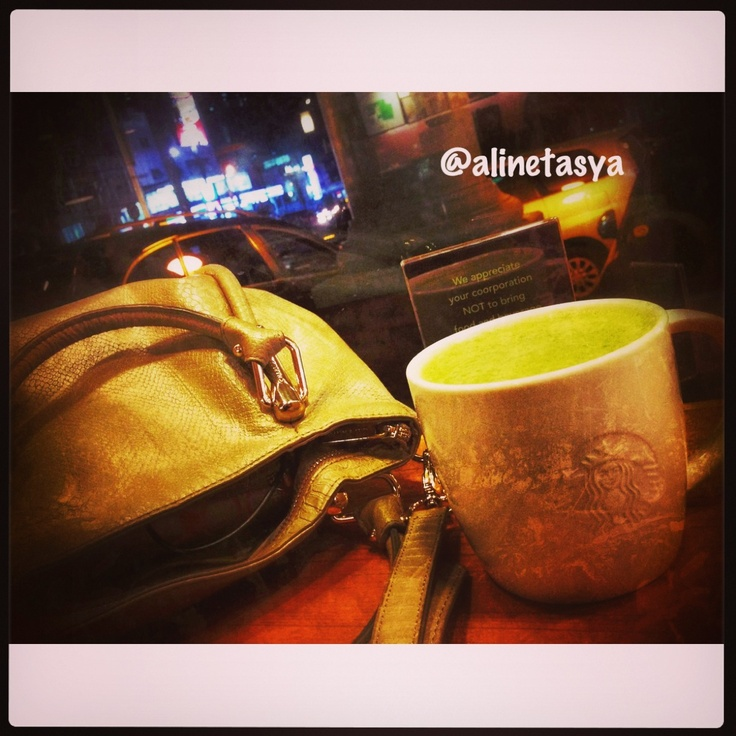 Green tea latte + bags #quality time