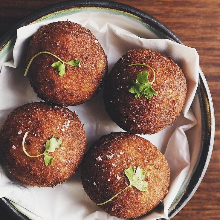 Live for food? Start your New Year with something simple fresh and delicious - like these Italian arancini balls by @lot1sydney  . . . . . #NewYear #food #foodie #foodlover #foodspiration #foodporn #foodiegram #foodgasm #italianfood #italiancooking #arancini #delicious #vegetarian #yum #tasty #italian #dineout #eatout #foodblogger #restaurant #sydney #sydneyeats #sydneygoodfood #instagood #instafood #eatingfortheinsta