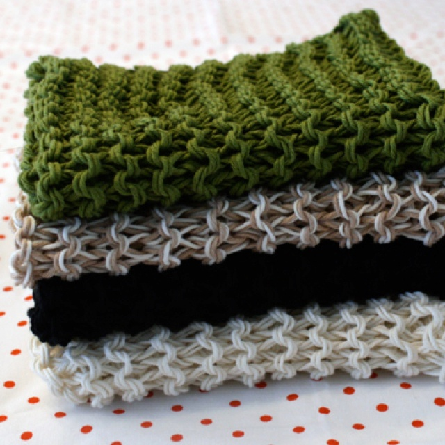 Knitted Moss Stitch Dishcloth Pattern : 17 Best images about Dishcloth tue on Pinterest Potholders, Moss stitch a...