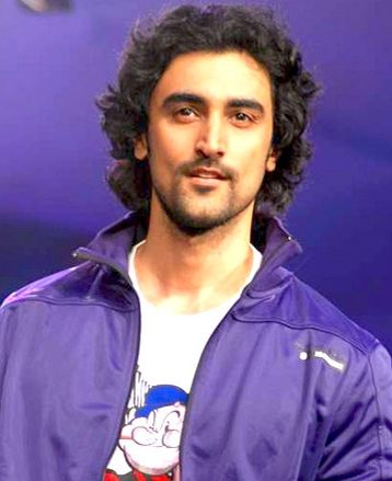Kunal Kapoor | Kunal kapoor, Bollywood movies list, Actors