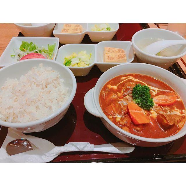 . 大名古屋ビルヂングでランチ😋✨ 牛タンが有名な喜助で💓 牛タンにしようと思ったんだけど シチューの誘惑に負けて😂💭 . . . . #お昼ごはん#お昼#ランチ#大名古屋ビルヂング#名古屋#牛タン#牛#肉#美味しい#シチュー#喜助#買い物#お出かけ#外出#ショッピング#お腹いっぱい#Nagoya#lunch#good#meet#😋#🍴#👌🏻