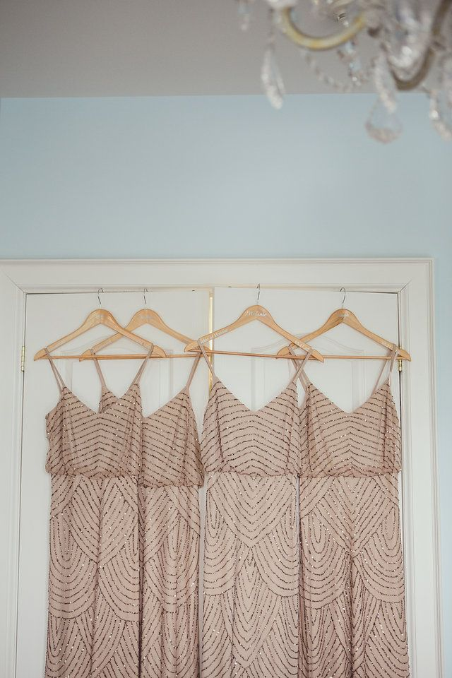 Peach coloured bridesmaids dresses - photo by New Vintage Media