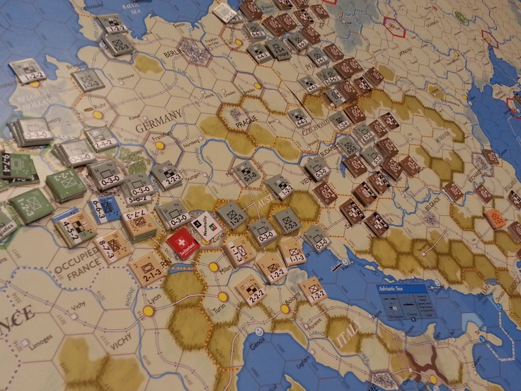 Decision Games Totaler KriegAxis Empires. Game had a 1942