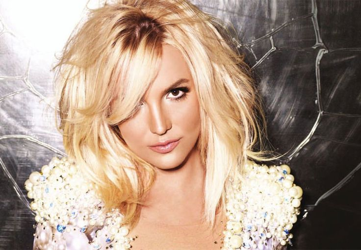 Britney Spears gets spooked in kitchen  #BritneySpears #TIMC #TheIndianMovieChannel #