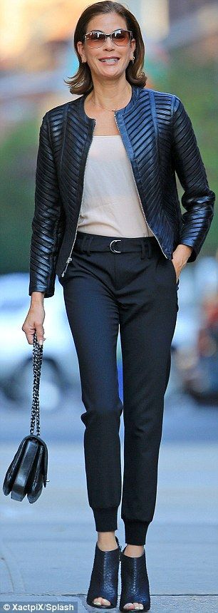 Teri Hatcher is fashionable in her fifties as she rocks leather jacket #dailymail