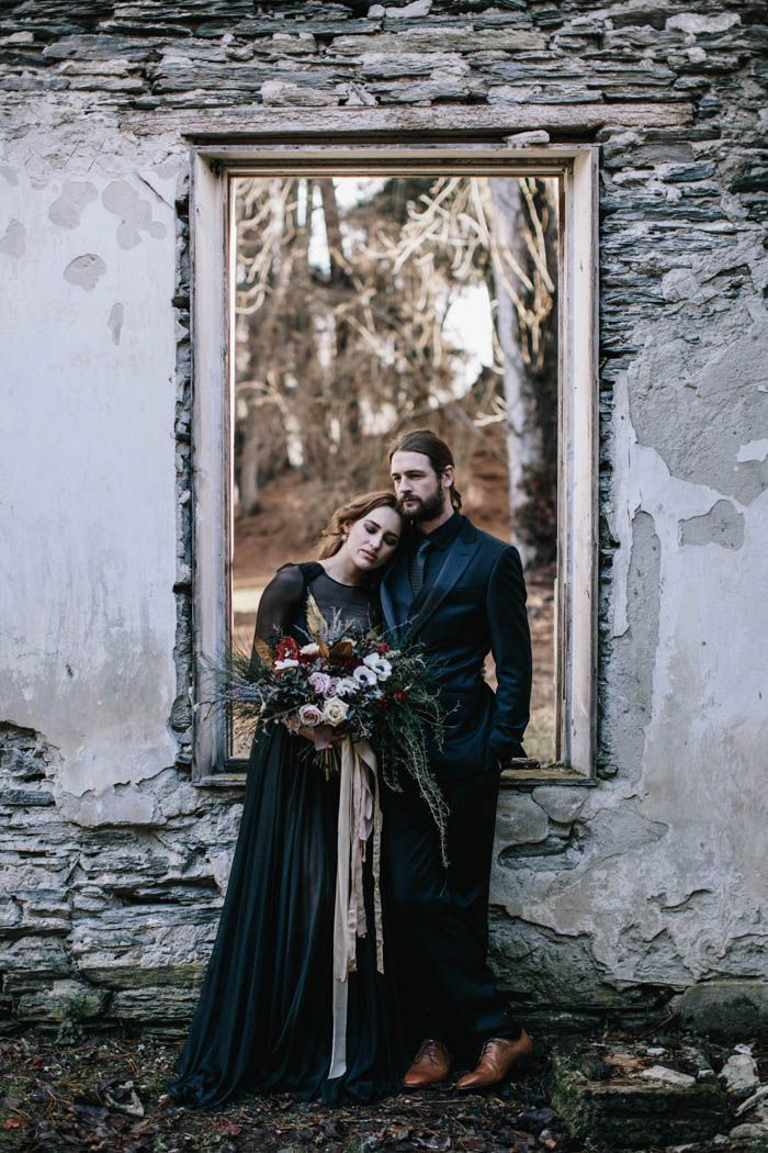 Modern midieval wedding inspiration | Image by White Ash Photography