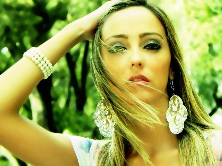 Romina Ayala | Formación secundaria | Passarella - Fotografía y filmación publicitaria - Eventos - Atención al Cliente.