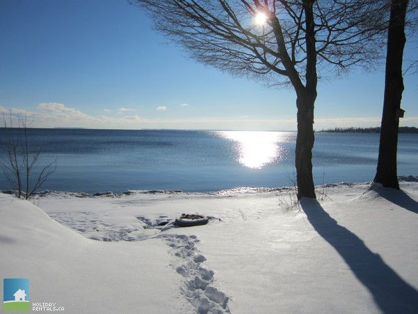 http://www.cottagecountry.com/stones-throw-cottage-waupoos-on-prince-edward-county/ Winter at the Cabin