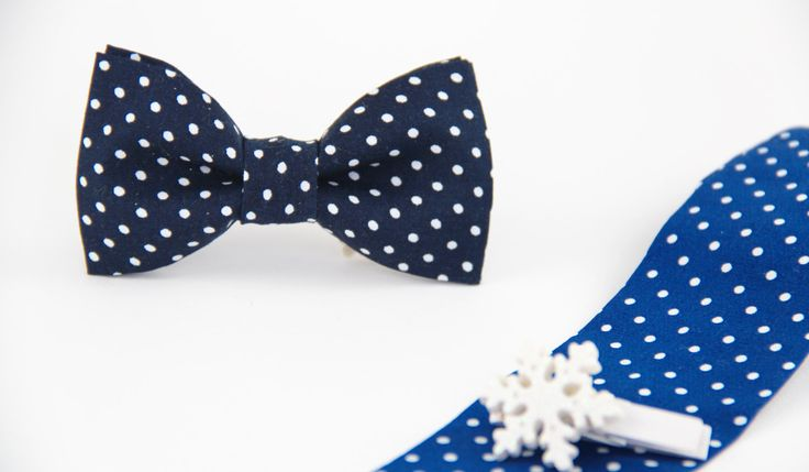 Navy blue bow tie,  baby bow tie, ring boy bowtie, photo prop,newborn bowtie,  boy bow tie by PopKidsnl on Etsy