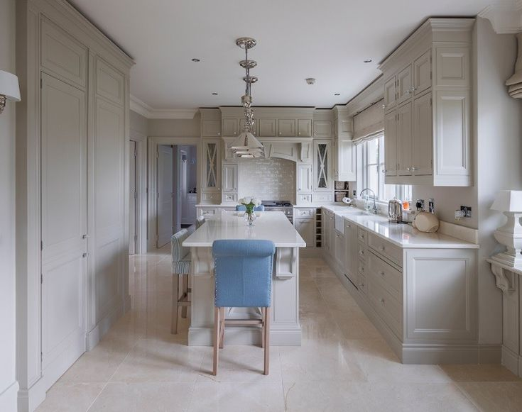 These exquisite polished crema marfil alba floor tiles are from TileStyle, Dublin.