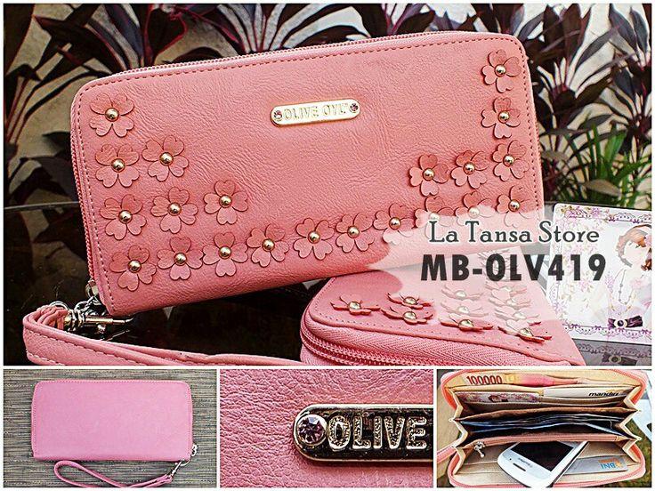 Dompet Olive Oyl Resleting Kode: MB-OLV419 Harga Rp 110.000 (Reseller: Rp 95.000, min.2pc) Bahan: PU Leather Ukuran: 18,5 x 9 x 2,5 cm Muat juga buat simpan BB dalam dompet Berat: +- 200 g Ada Tali Pendek, lepas pasang Interior: 5 slot kartu 5 tempat uang kertas 1 tempat uang logam