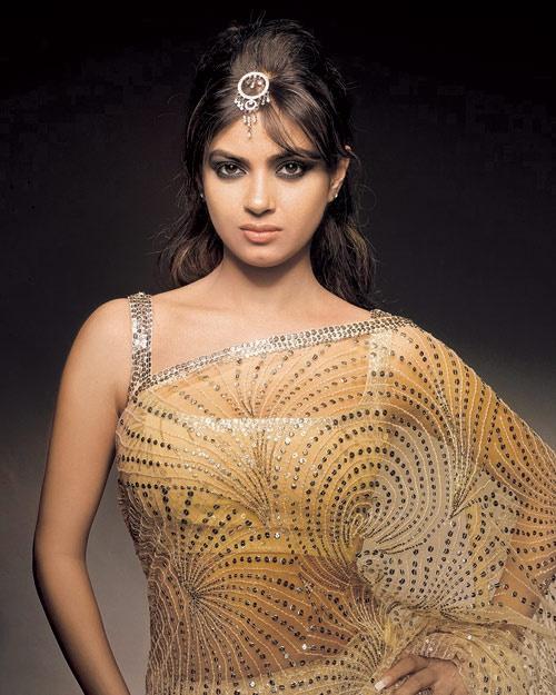Meerra Chopra #Bollywood #Fashion