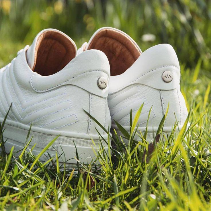 BESTSELLER 😍! The White Gaber ViaVai sneaker.  Shop: http://www.shoesbyboudewijns.nl/nl/via-vai-4920101-bianco/g6/p75927/  #bestchoice #viavai #shoesbyboudewijns #viavaishoes #bestseller #sneakers #whiteshoes #shoponline #shoestagram #shoesoftheday #creeper #gaber #platformsneakers #whitesneakers