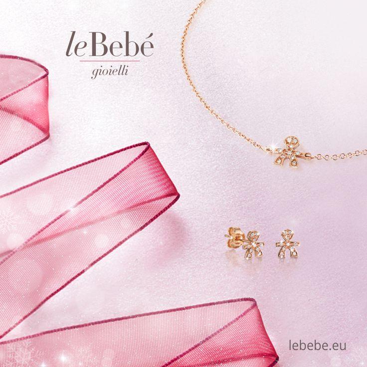 Bracciale e orecchini in oro rosa della linea le Briciole, con sagoma bimbo o bimba in pavé di brillanti. L'eleganza delle piccole cose. :)  http://www.lebebe.eu/it/collezioni/le_Briciole #fieradiesseremamma #lebebé #gioielli #mamme