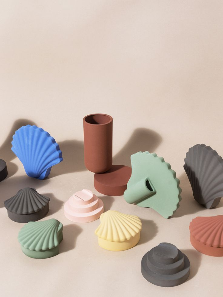 """Rudolf Schindler is the new go-to design influence, sage is """"the new neutral,"""" and welcome to the last bastion of forgotten 1980s decor — seashells."""