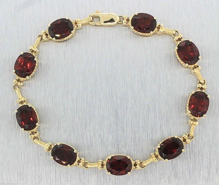 Elegant Ladies Estate 14K Yellow Gold Oval Garnet Bracelet