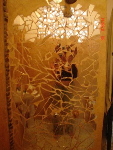 Best 20 broken mirror art ideas on pinterest broken mirror projects broken glass art and for Shattered mirror bathroom floor