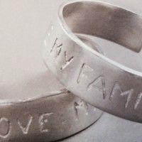curiosa la collezione di braccialetti in allumino riciclato.Puoi trovare questi originali ed unici braccialletti da cenerentola cuneo (9)