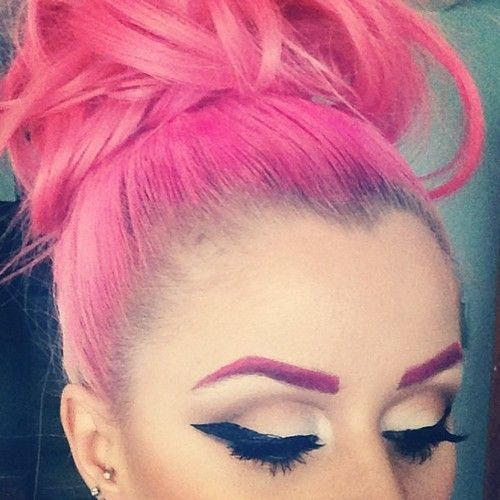 MakeupDramaticsHuman Hair Extensions, Hair Colors, Kellyeden, Pink Hair, Makeup, Kelly Eden, Eyebrows, Hair Buns, Colors Hair