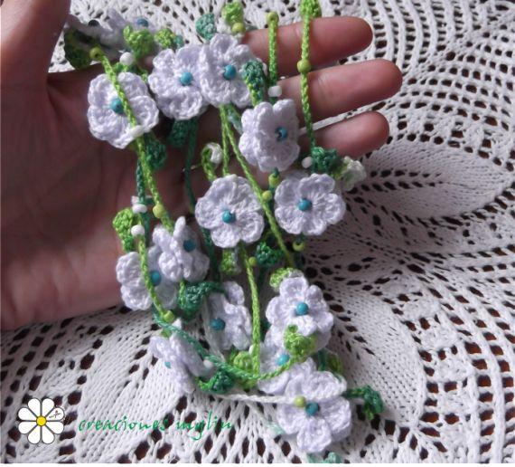 Collar de crochet con flores y turquesas, Bisutería, Collares