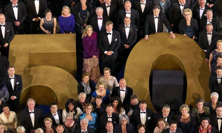 La gran foto por el 50º cumpleaños del rey Guillermo de Holanda que ha dado la vuelta al mundo