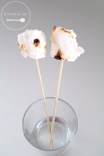 My #marshmallow ... Favolosi anche abbrustoliti... http://www.lacucinachevale.com/2014/03/marshmallow-fatti-in-casa.html